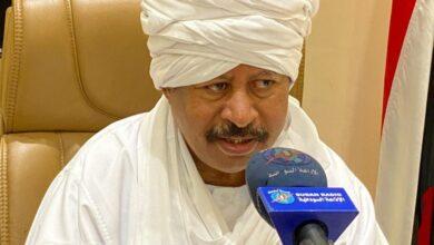 Photo of السودان: حمدوك يكشف تفاصيل مثيرة وخطيرة