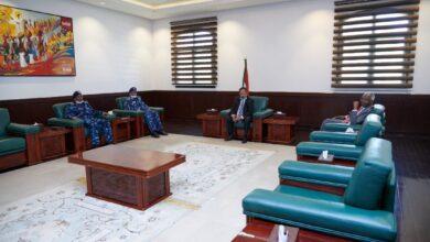Photo of حمدوك: أولوية الحكومة صون أرواح وكرامة وممتلكات المواطنين