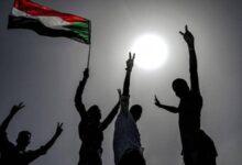 "Photo of المواكب: تحذيرات من تغيير سياسي""عنيف"" بسبب 21 أكتوبر"