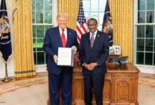 Photo of سفير السودان بواشنطن نور الدين ساتي لـ(السوداني): رفع اسم السودان من قائمة الإرهاب عبر الكونجرس يستغرق (٤٥) يومًا
