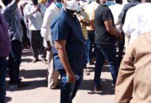 Photo of وقفة احتجاجية للعاملين بصالات الأفراح بالخرطوم تطالب بإعادة النظر في قرار الإغلاق