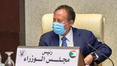 Photo of حمدوك يُشكَّل لجنة وزارية لمتابعة تنفيذ قرار توحيد سعر الصرف