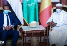 Photo of ديبي يستقبل حميدتي في القصر الرئاسي بإنجمينا