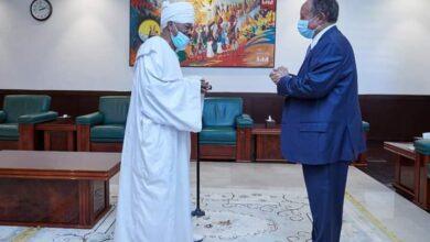 Photo of رئيس الوزراء يُؤمن على أهمية مشاركة حزب الأمة في اختيار الحكومة القادمة