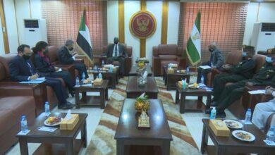 Photo of وزير الدفاع السوداني يلتقي رئيس بعثة يوناميتس