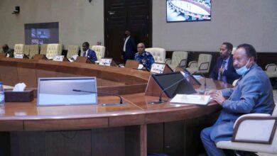 Photo of عاجل (السوداني): اجتماع مغلق لمجلس الوزراء اليوم لمدة ٣ أيام، لمناقشة الخطة التشغيلية صغيرة المدى ومعالجة الأزمات الاقتصادية