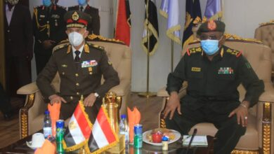 Photo of رئيس هيئة الأركان السوداني يستقبل نظيره المصري