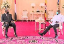 Photo of مباحثات بين البرهان وموسفيني بشأن ترقية العلاقات الثنائية وتعزيز التعاون