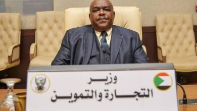 Photo of وزير التجارة والتموين السوداني يكشف عن خطواته بشأن تخفيف أعباء المعيشة